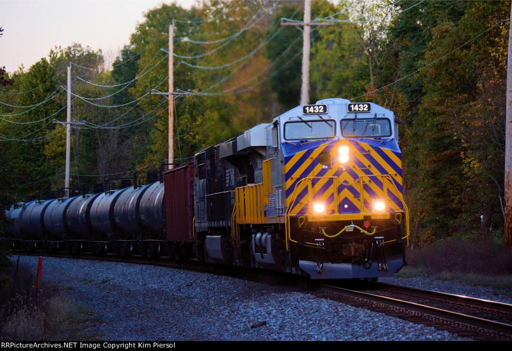 CREX 1432 CSX Train K038 Crude Oil Loads
