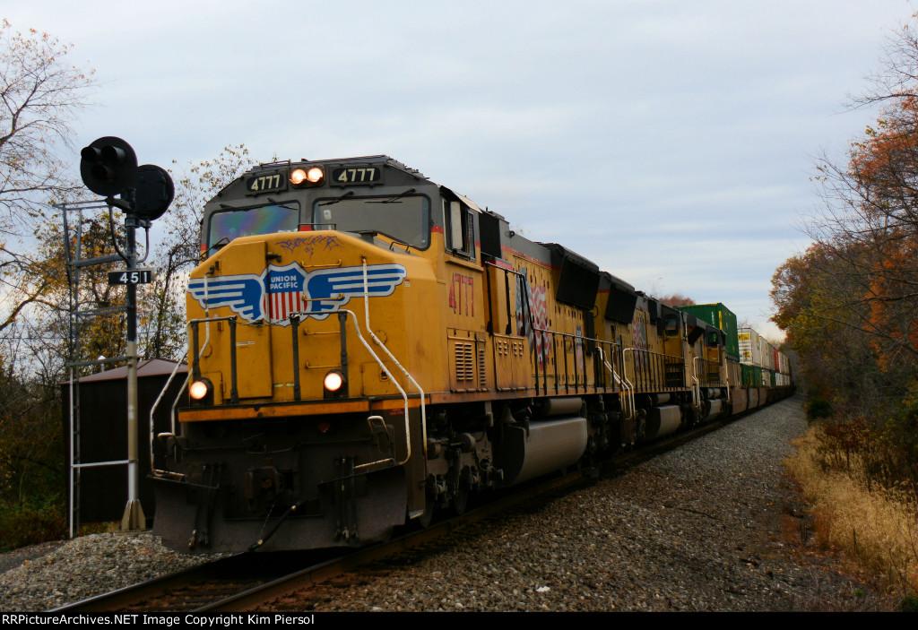 UP 4777 5191 8762 NS Train 212