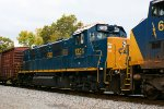 CSX 1324 Genset on Q410