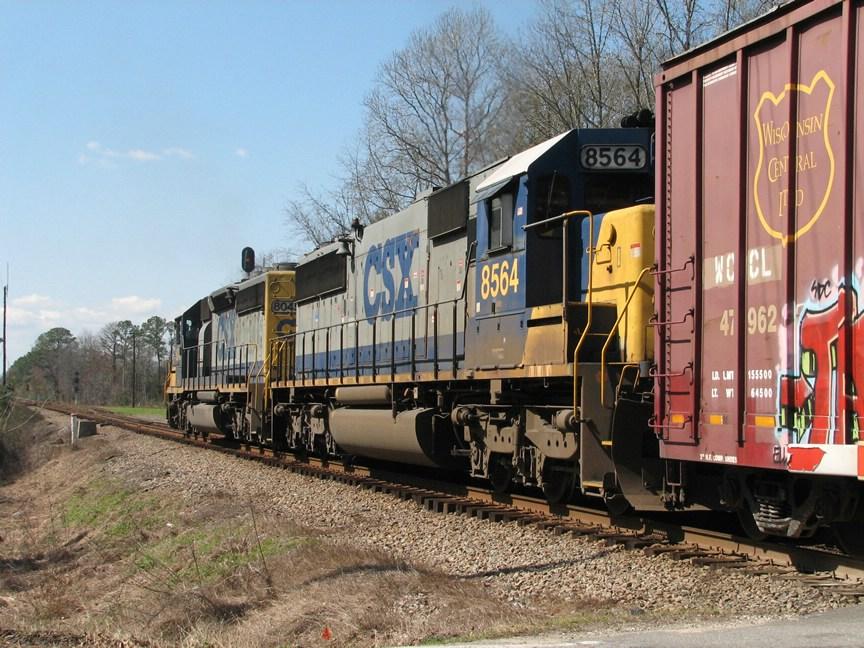 Feb 26, 2006 - CSX 8564 on train S491