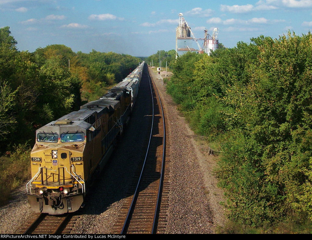 UP 7319 westbound UP loaded grain train
