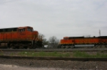 BNSF 5036 waits for 7652