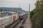 UP 8322 Meet''s a EB Stack train in Fort madison Iowa.