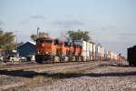 4 Ge's work a stack train through Baring Mo.