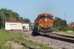 BNSF 6662 Heads a WB Z train into the Setting sun..