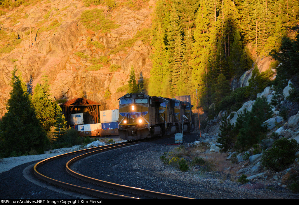 UP 5305 5067 7922 CSX 7693 WB Emerging From Tunnel #35