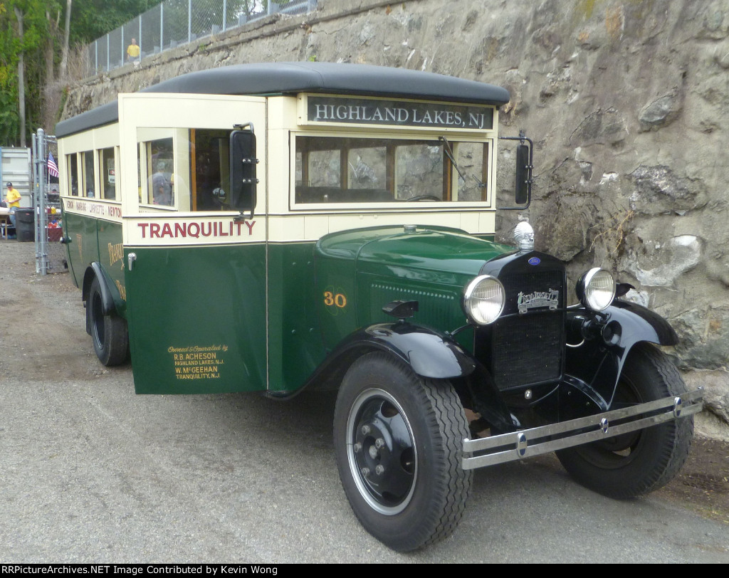 1930 Ford bus