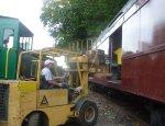 Loading PRR B60b baggage car 9286