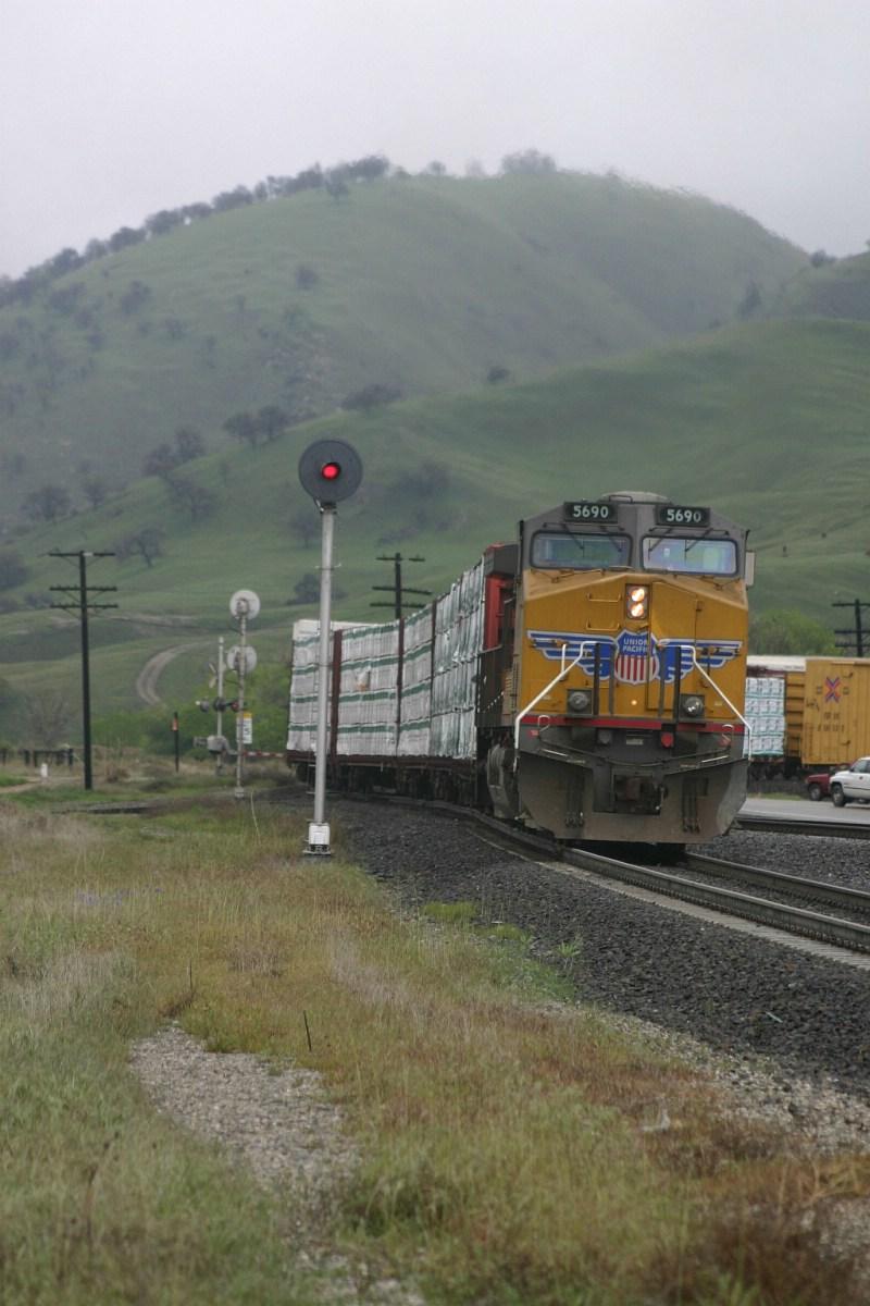 DPU's climb out of of the siding in run 8