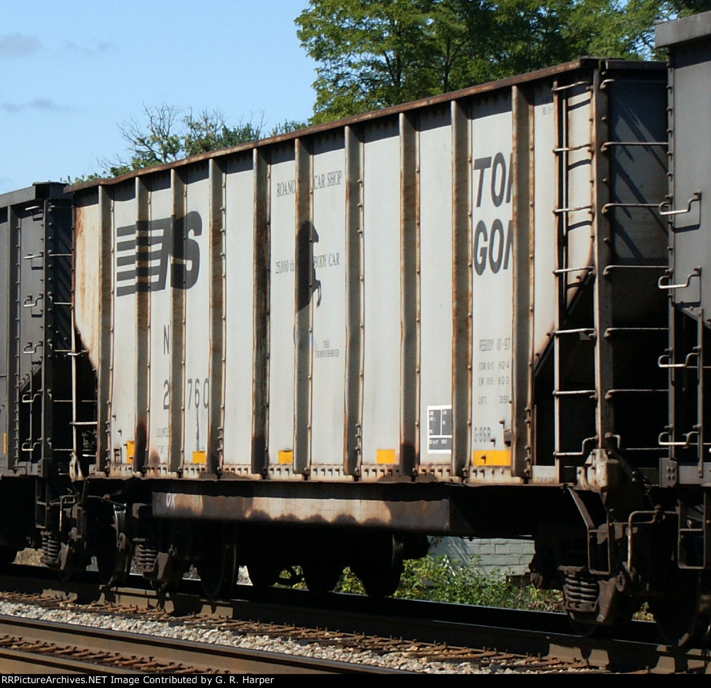 NS 23760, the 25,000th rebody car, almost got away from me.  train 759