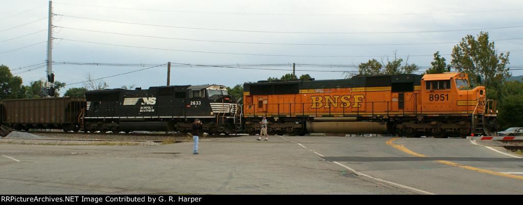 BNSF 8951 westbound Union St.  Train 765