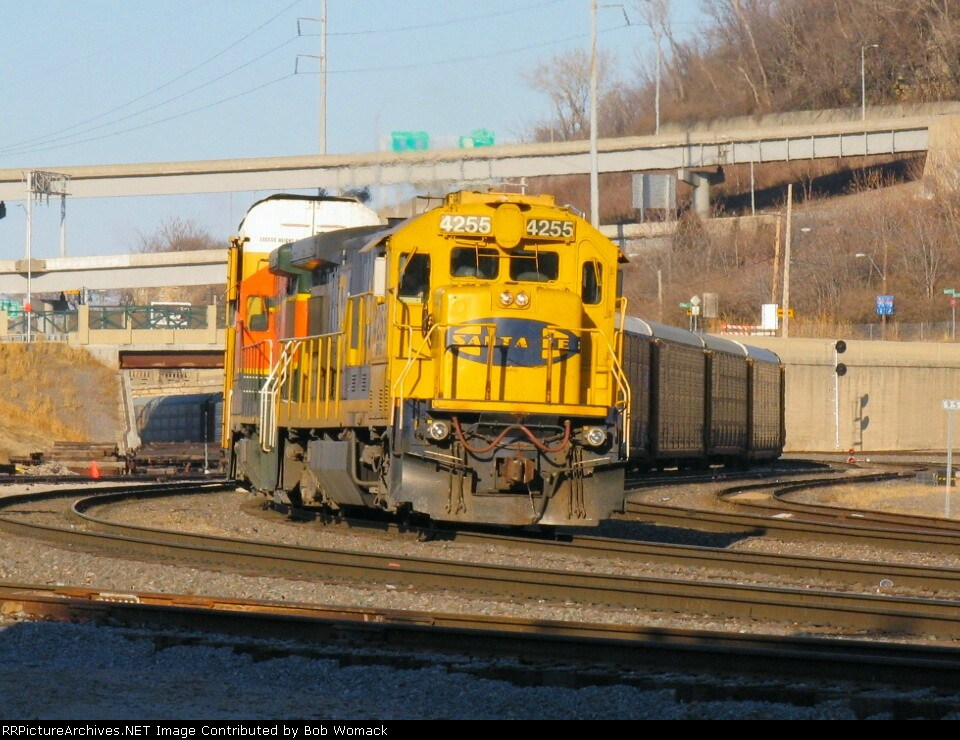 BNSF 4255