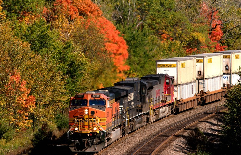 BNSF 5331 on Edelstein hill