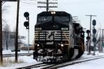 NS 8315 I-30 North crosses CSX ex CR Bee Line
