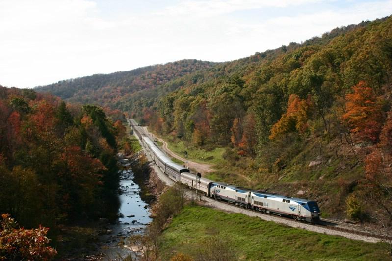 Amtrak 124 at Foley, PA
