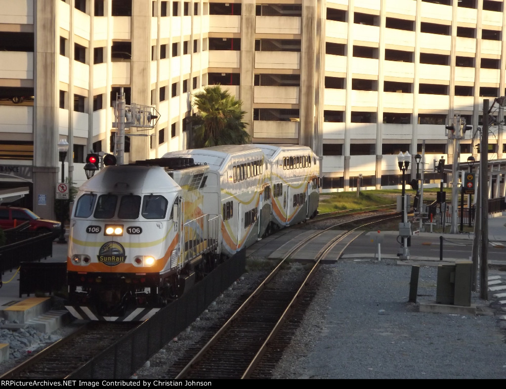 Sunrail arriving to Church Street Station
