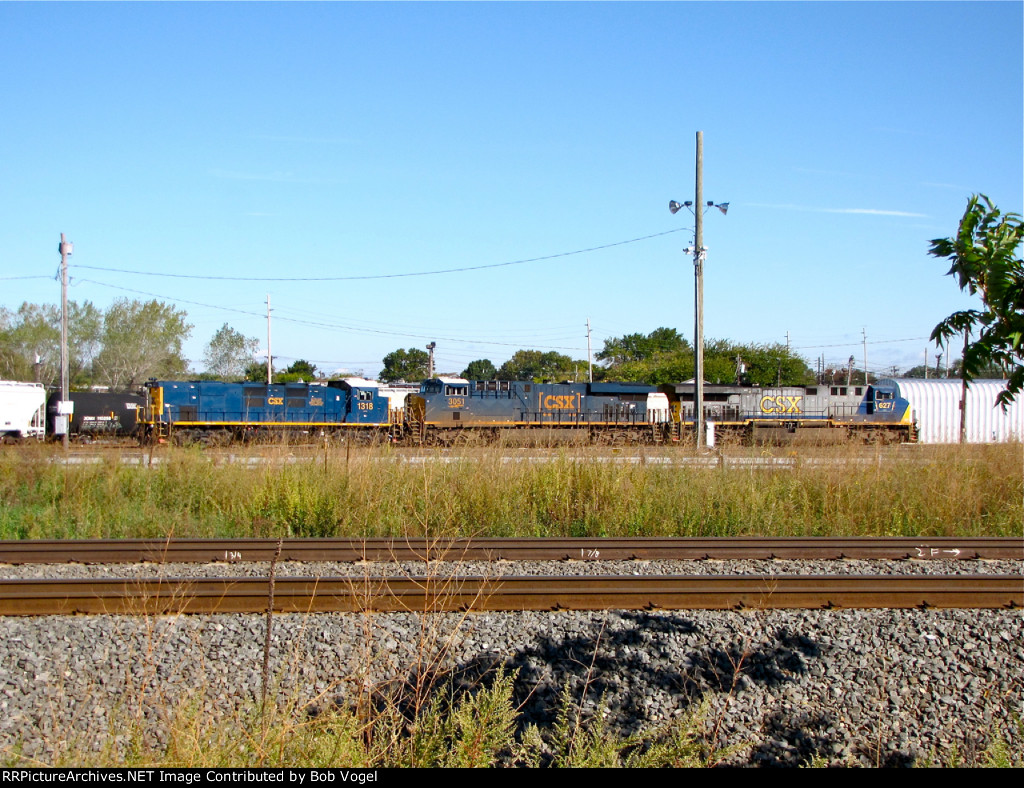 CSX 1318, 3051, and 627