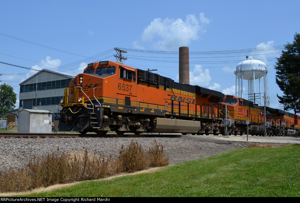BNSF 6537