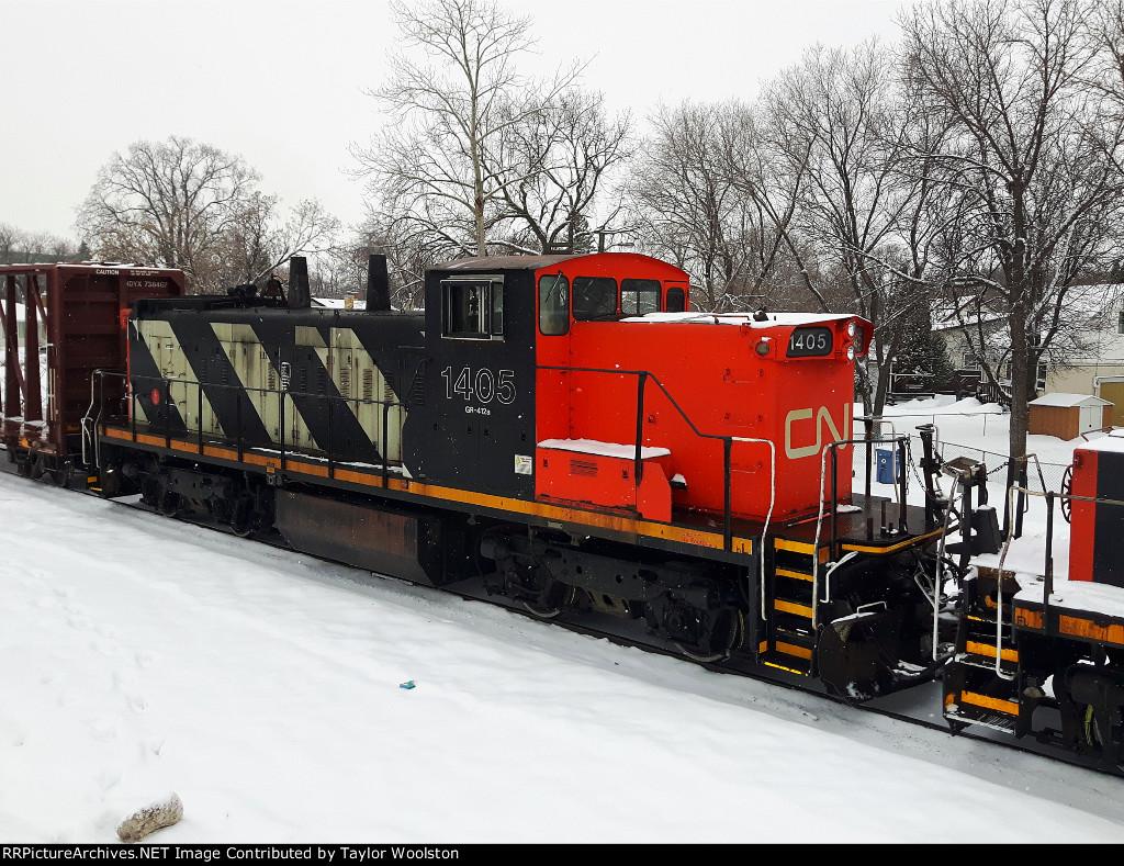 CN 1405