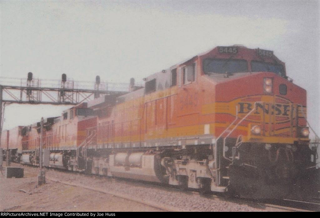BNSF 5445 West