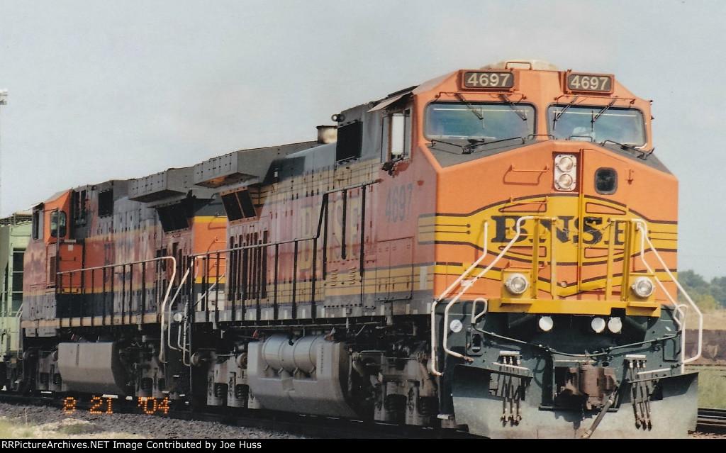 BNSF 4697 West