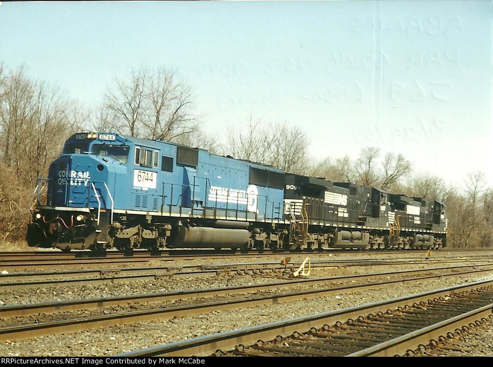 NS 569