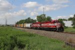 With 89 cars behind them, WSOR 4077 & 4076 work hard to keep GDLK303 moving