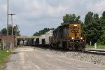 Clearing Pleasant St, CSX 4011 & 1536 throttle up as they start east with D707
