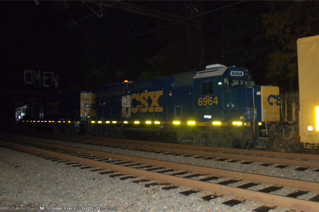 CSX 6964 Q438