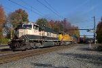 BNSF SD70MAC 9777 leads K040-21