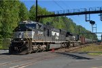 NS SD70M 2642 leads K140-14