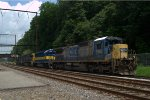 CSX C40-8 7565 trails on Q418-13