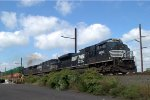 NS SD70M-2 2693 leads 20Q