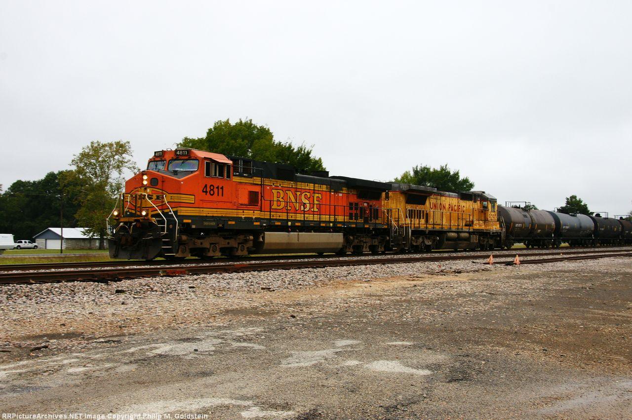BNSF 4811, UP 9297