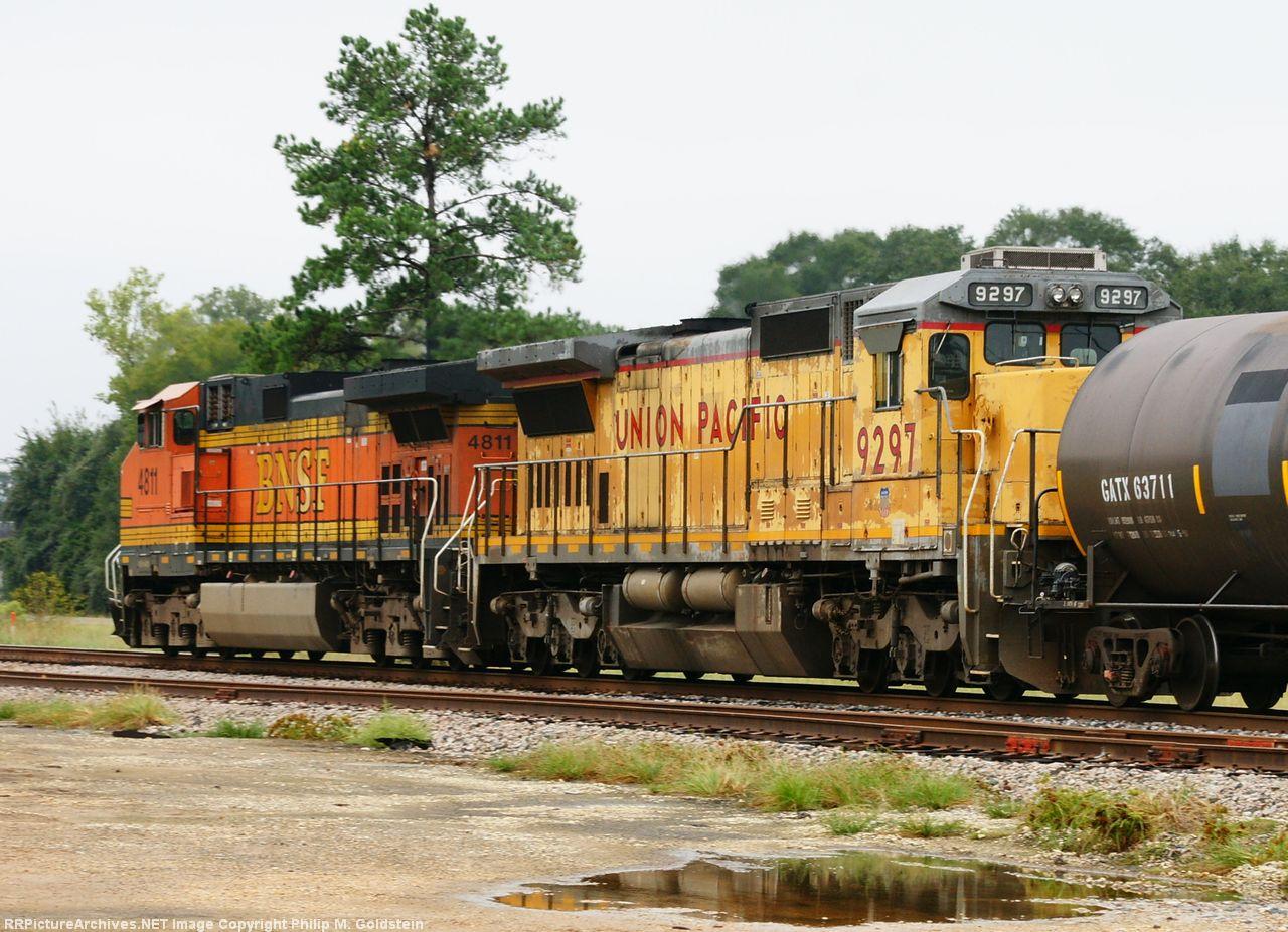 UP 9297, BNSF 4811