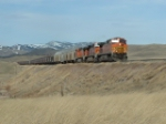 BNSF 4074 Dash 9 coming down into town