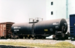 Funnel flow tank car, leased to Mobil Oil de Mexico,