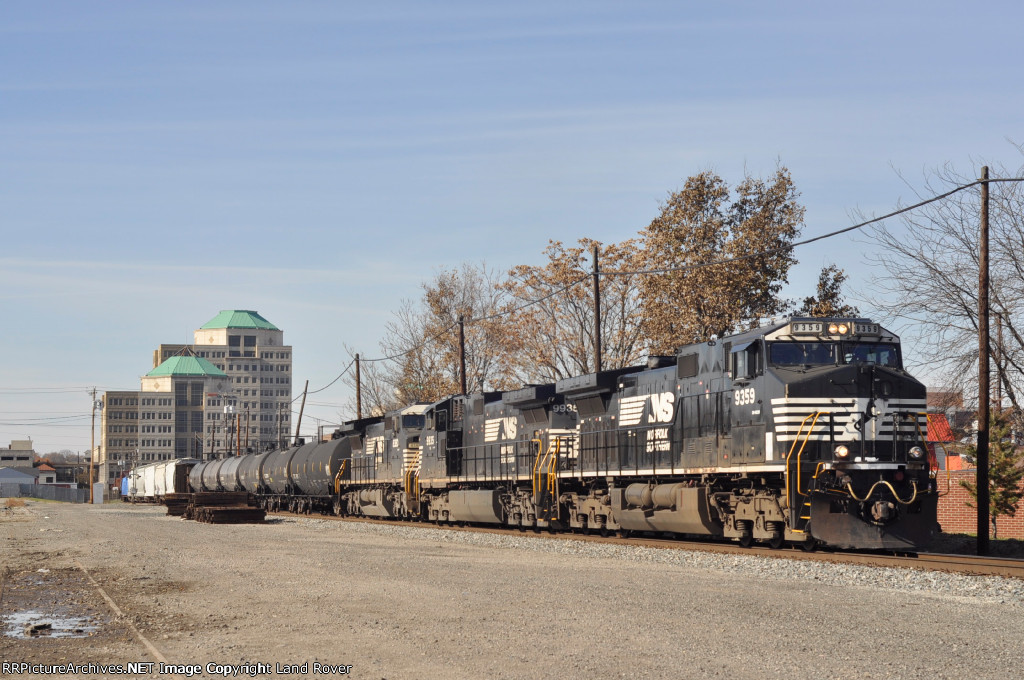 NS 9359 On NS 175 Eastbound