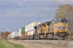 UP 5635 On NS 215 Eastbound