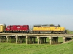 UP 7910 and HLCX 3848