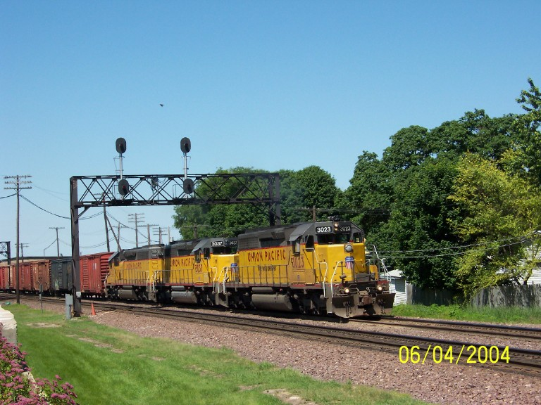 Great sounding train with SD40-2's