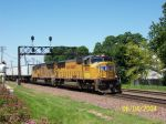 Railfan Shoots that camera at 4665 East