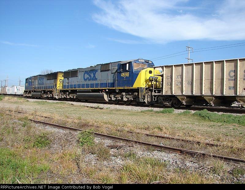 CSX 4698