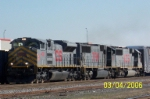 New KCS SD70 leads NS train W39