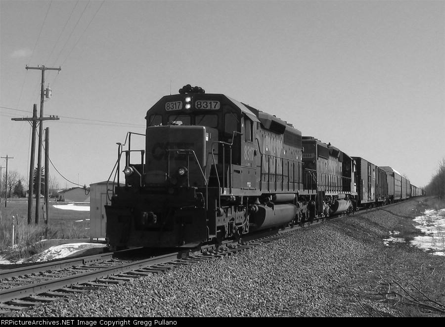 CSX 8317 on Q335