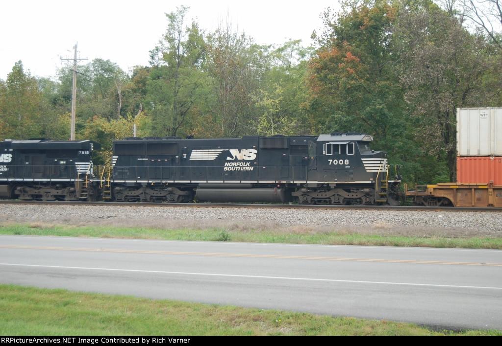NS #7008 Eastbound thru Georgetown, Indiana