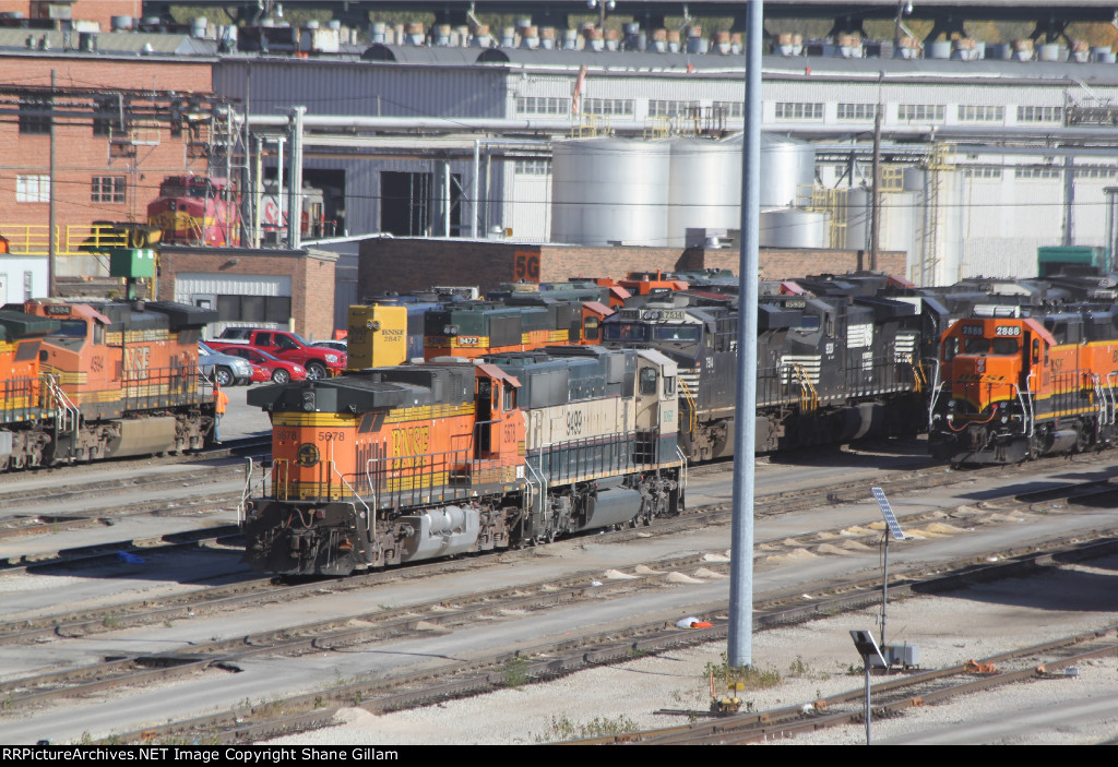 A mix of power and color in the pit at Argentine yard.