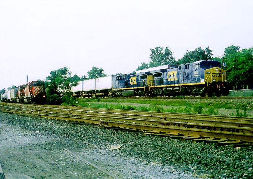 CSX 564 on Q-118