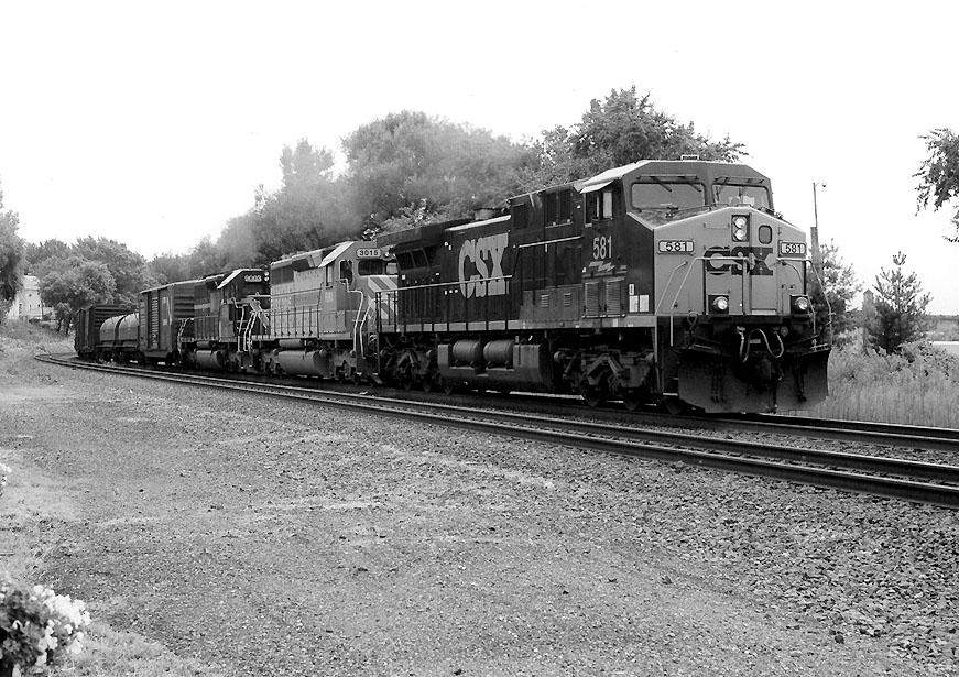CSX 581 on Q-438