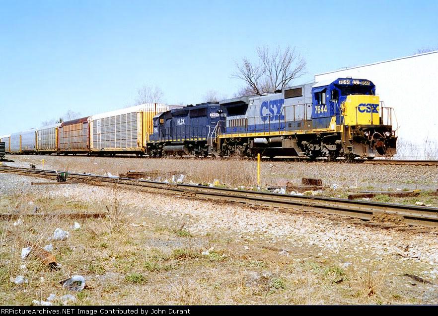 CSX 7644 on Q-268